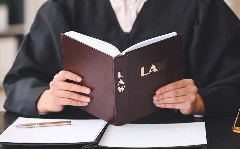 刑事案件请一个i律师的费用