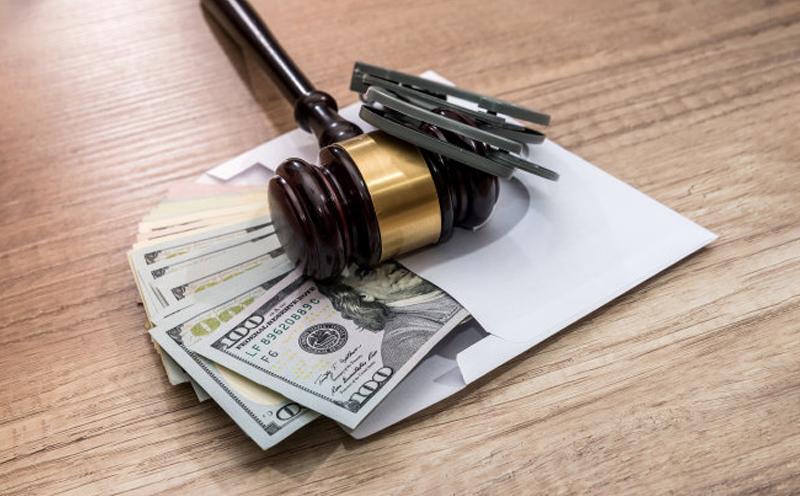 罚金是它是指由人民法院判决的、强制犯罪分子向国家缴纳一定数额的金钱