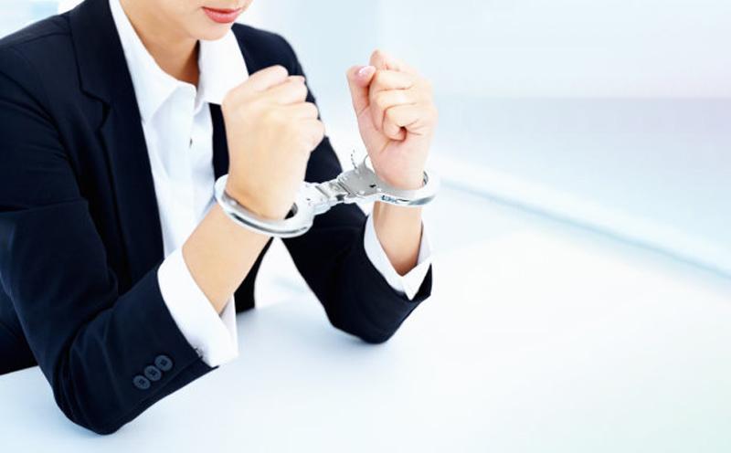 被告人曾某某犯职务侵占罪,判处有期徒刑二年,缓刑三年