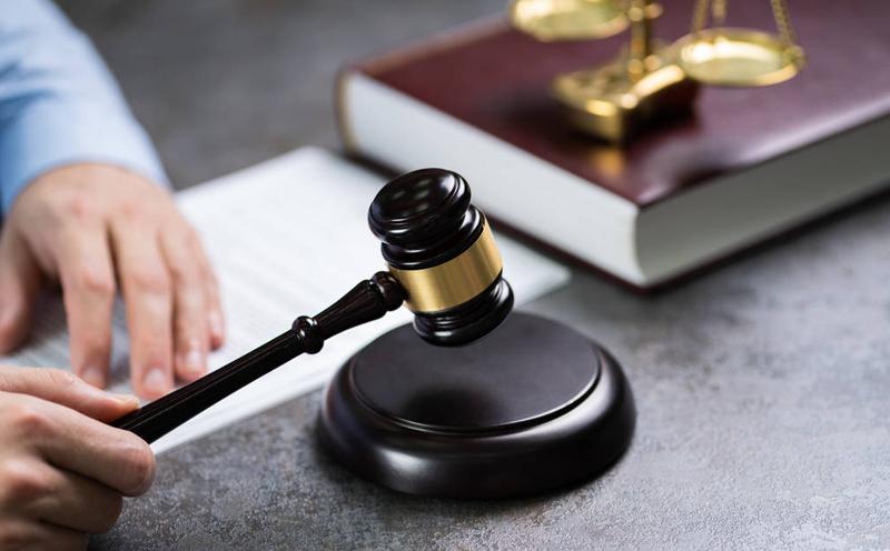 被告人杨某情节严重,犯罪事实清楚,证据确实充分,构成非法经营罪