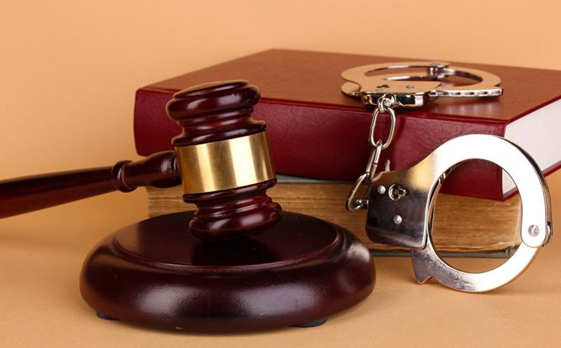 被告人刘A犯非法经营者罪,判处有期徒刑五年,并处罚金人民币五千元
