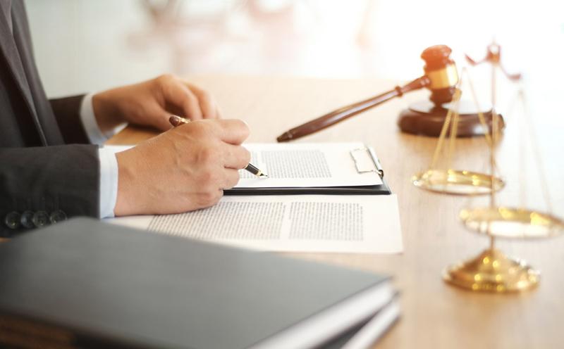 被告人张某某犯开设赌场罪,判处拘役五个月,并处罚金人民币一千元