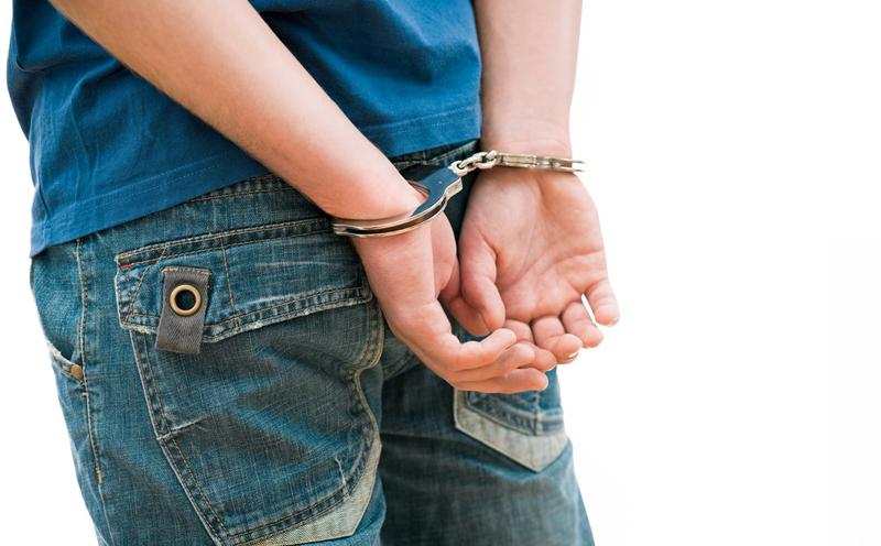 被告人吴某某,男,因涉嫌诈骗罪,被刑事拘留,同年6月24日被逮捕