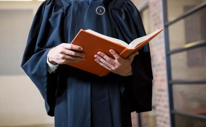 刑事辩护律师最早什么时候能够行使阅卷权