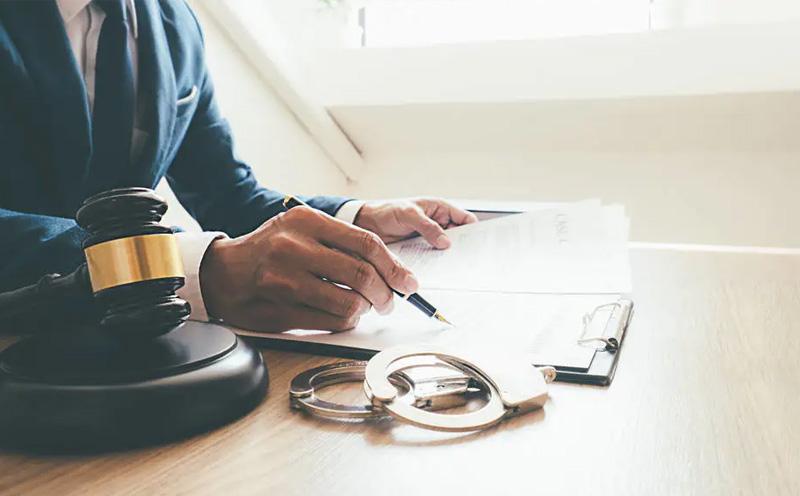 刑事案件辩护律师会见犯罪嫌疑人